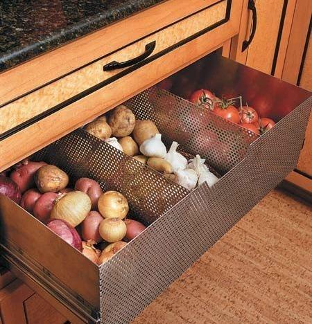 Lade voor tomaten, uien, aardappels en knoflook