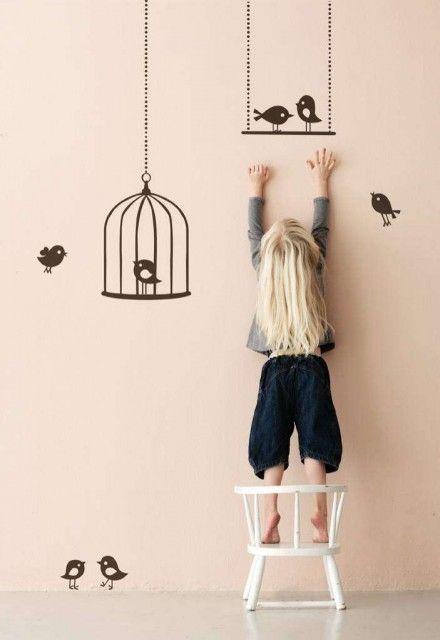 Muursticker met vogels voor in een kinderkamer
