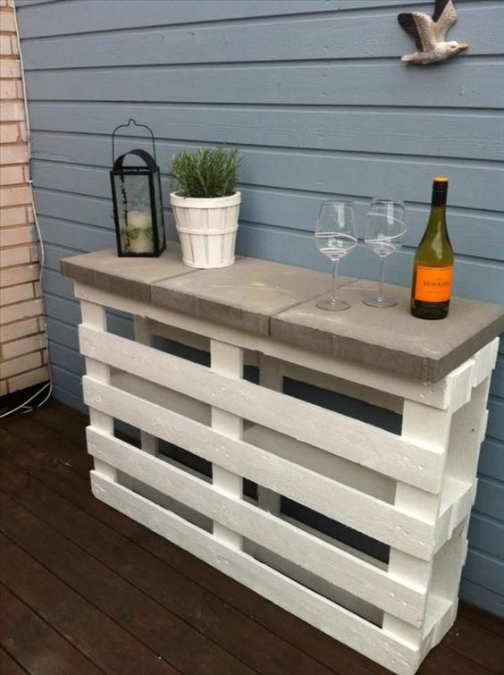 sidetable in de tuin