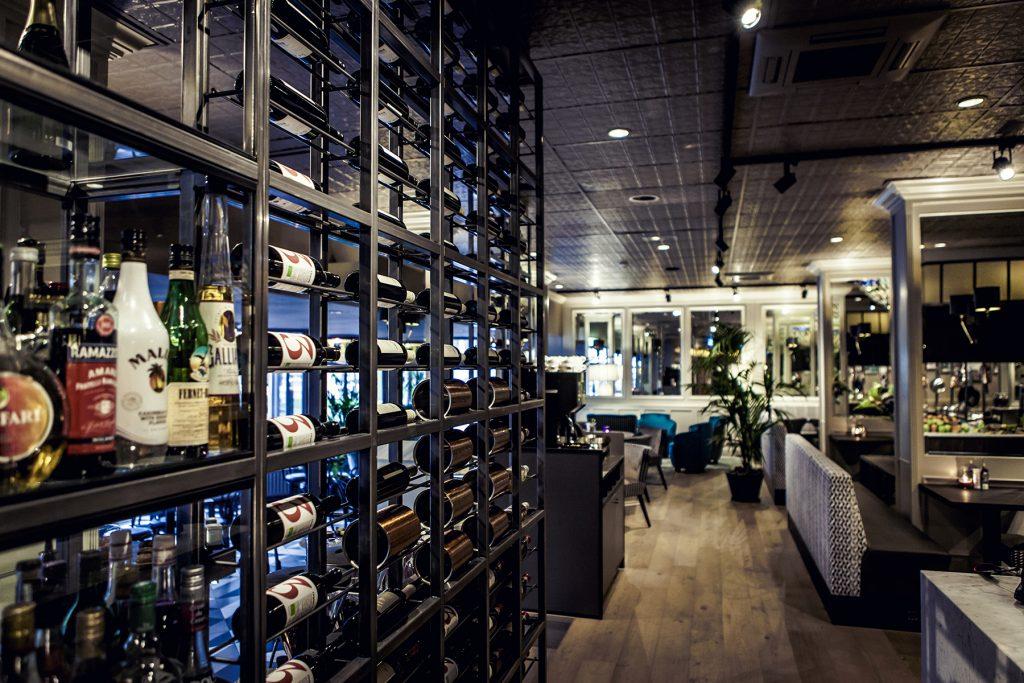 stalen-wijnrek-restaurant