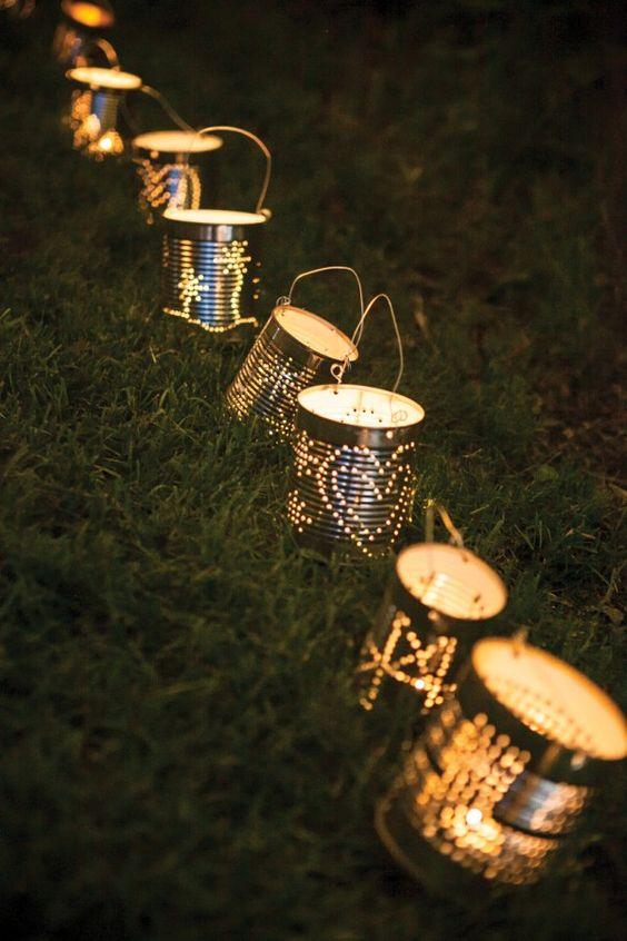 blikken gebruikt als lampionnen