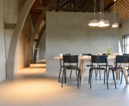 Koude voeten door een koude betonvloer? Laat je kruipruimte isoleren!