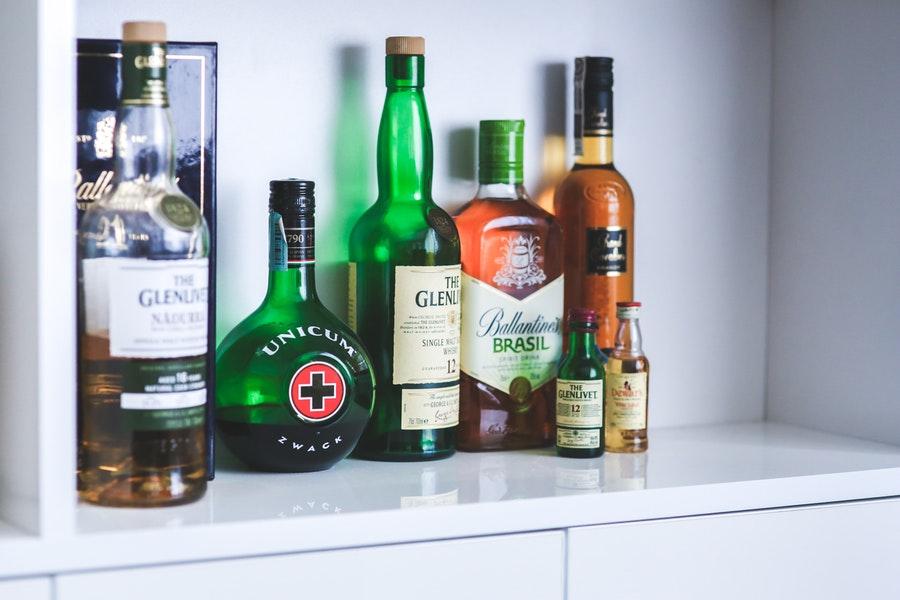 Flessen drank als echte eyecatchers in je woning