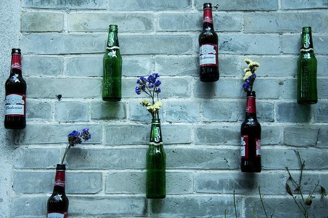 flessen drank gebruikt als vaas