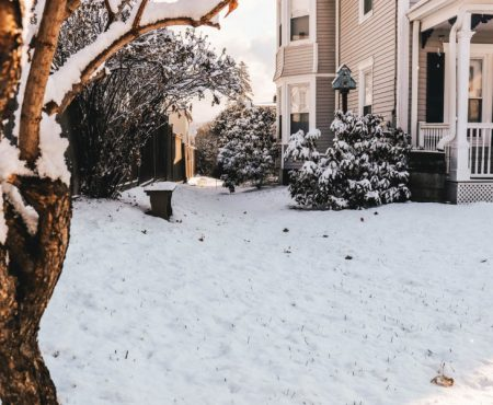 Zorg dat je er deze winter warm bij zit in de tuin met een overkapping